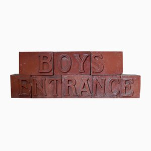 Señal de entrada victoriana modular de ladrillos rojos