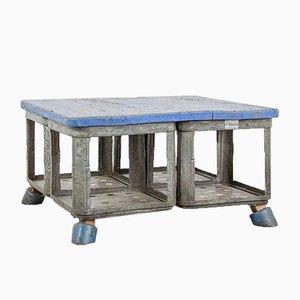 Mesa de centro vintage en azul de HRDLA Design