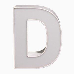 Weißer Buchstabe D