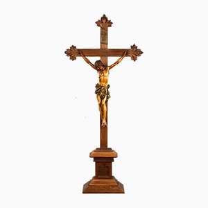 Antikes Kruzifix aus geschnitzter Eiche