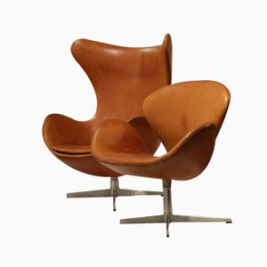 Egg and Swan Chairs by Arne Jacobsen for Fritz Hansen, 1965, Set of 2