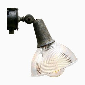 Vintage Industrie Wandlampe aus Gusseisen und Klarglas von Holophane