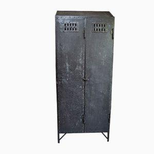 Taquilla industrial antigua de hierro