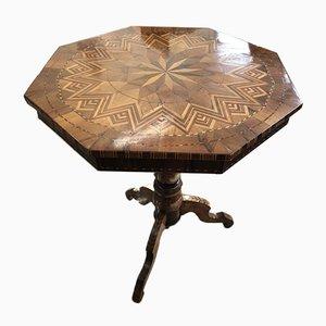 Tavolino da caffè antico ottagonale in legno intarsiato