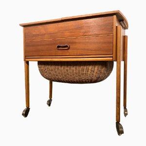 Caja de la costura Mid-Century de teca con cesta, Denmark, años 50