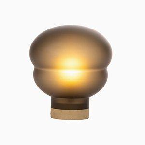 Kleine Kumo Lampe in Rauchgrau mit taupefarbenem Sockel