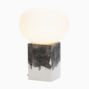 Lampada Magma One bassa in acetato bianco con base bianca di Ferréol Babin