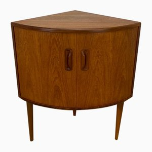 Vintage Corner Cabinet by VB Wilkins for G-Plan, 1970s