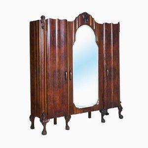 Mobiletto in stile Barocco antico intagliato in legno di noce e legno di Testolini e Salviati, Italia