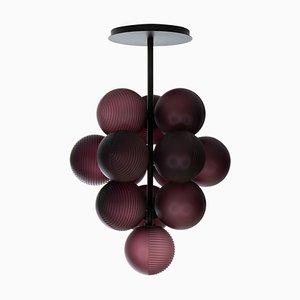 Kleine Stellar Grape Hängelampe aus Acetat in Aubergine mit schwarzem Rahmen von Sebastian Herkner