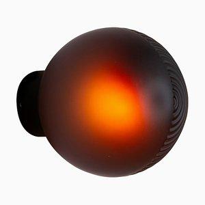 Stellar One Aubergine Acetato mit schwarzem Rahmen von Sebastian Herkner