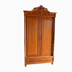 Antique Oak Cabinet Crest