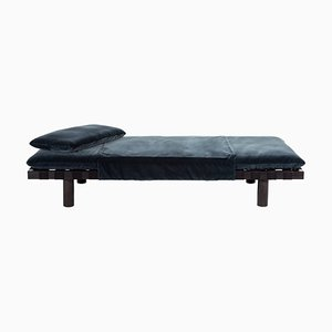 Pallet Tagesbett 4400G-SS aus dunkelgrauem Samt & schwarzem Gestell von Sebastian Herkner für Pulpo