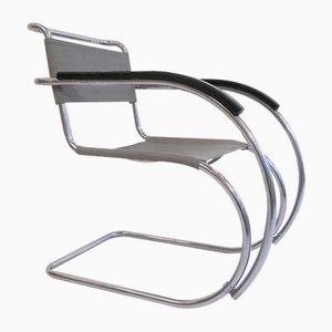 Poltrona modello MR534 / MR 20 di Ludwig Mies van der Rohe per Bigla, anni '50