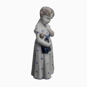 Vintage Porzellan Mädchen Figurine von Royal Copenhagen, 1920er