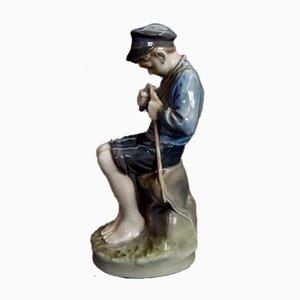 Vintage Nr. 905 Boy Curving a Stick Figurine von Royal Copenhagen, 1960er