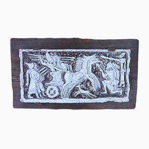 Mid-Century Keramiktafel mit Kampfszene