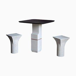 Mesa y taburetes Ravissant de pizarra morada, Frederic Saulou