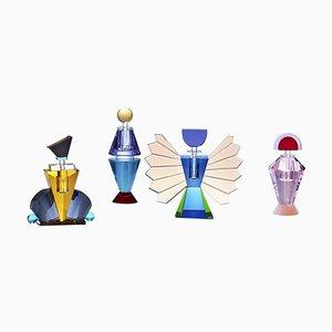 Vier farbenfrohe Parfüm Flakons aus Kristallglas, handgefertigt aus zeitgenössischem Kristallglas