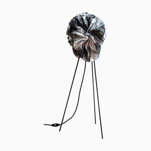 Skulpturale Rauch Stehlampe von Camille Deram