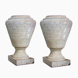 Jarrones belgas antiguos de jardín de piedra. Juego de 2