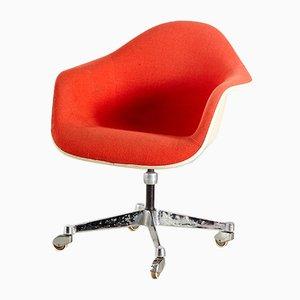 Orangefarbener Sessel von Charles & Ray Eames für Herman Miller, 1960er
