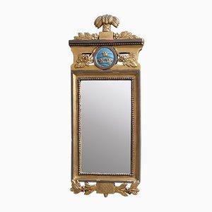 Espejo gustaviano antiguo con corona en forma de corona
