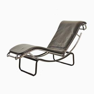 French Black Leatherette and Chrome-Plated Steel Model LC4 Chaise Lounge, 1960s
