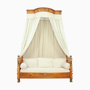Französisches Empire Nussholz Egyptian Revival Tagesbett mit Demilune Baldachin, 1815