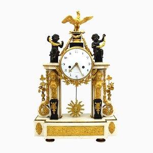 Große Louis XVI vergoldeter Bronze und Marmor Pendeluhr
