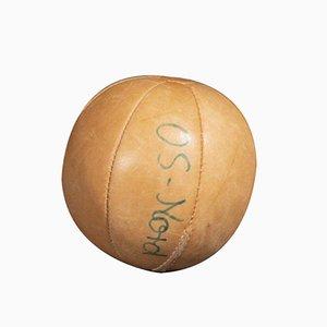 Vintage Medizinball aus hellbraunem Leder, 1950er