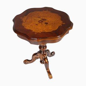 Tavolino da caffè in legno di noce massiccio intagliato con intarsi, anni '30