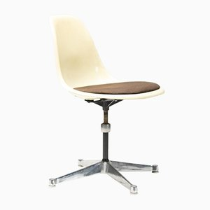 Contract Base Desk Chair by Charles & Ray Eames for Herman Miller, 1960s