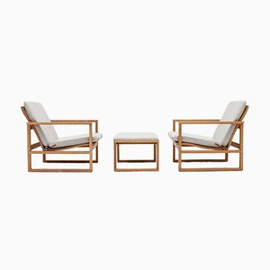 2256 Oak Sled Lounge Chairs with Footstool by Børge Mogensen for Fredericia Stolefabrik, 1950s, Set of 3