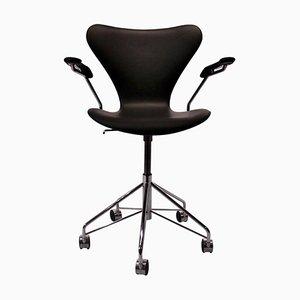 Sedia da ufficio nr. 3217 serie 7 di Arne Jacobsen per Fritz Hansen, 2012