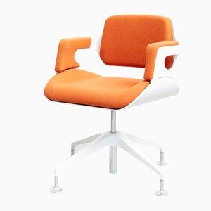 Sedia girevole modello S101 color argento di Zaha Hadid per Interstuhl