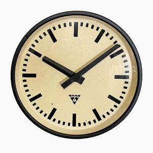 Reloj industrial negro de Pragotron, años 60