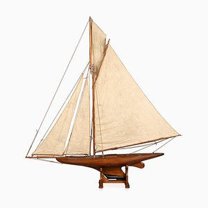 Yacht Antique Gaff Rigged Racing Pond, Angleterre, 1910s