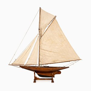 Antique English Gaff Rigged Racing Pond Yacht, 1910s