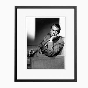 Gary Cooper in Schwarzem Rahmen von Galerie Prints