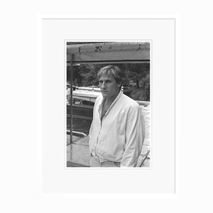 Gerard Depardieu in Weißem Rahmen von Galerie Prints