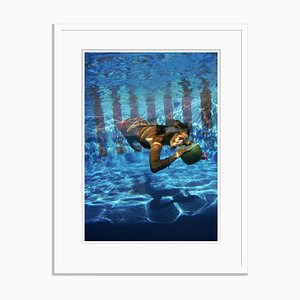 Stampa Underwater Drink Oversize C bianca di Slim Aarons