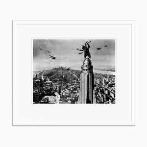King Kong Archival Pigment Print in Weiß gefasst