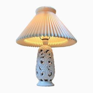 Lampada da tavolo Art Deco in ceramica bianca di Christian Klein, anni '30