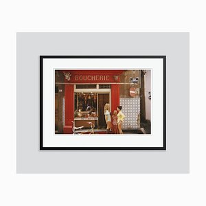 Saint-Tropez Boucherie Oversize C Print in Schwarz von Slim Aarons