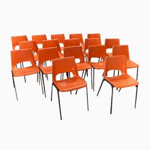 Orangenfarbene Vintage Esszimmerstühle, 1970er, 17er Set