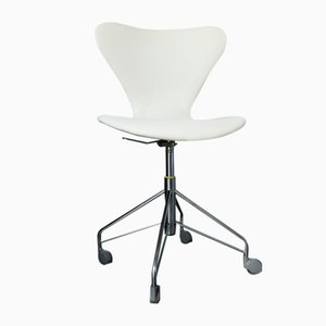 Vintage Model 3117 Swivel Chair by Arne Jacobsen for Fritz Hansen, 1970s