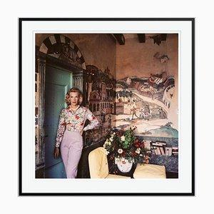 Harriet at Mougins Oversize C Print in Schwarz von Slim Aarons