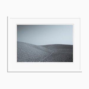 Murlo Oversize Pigment Printed Print in Weiß von Tim Graham