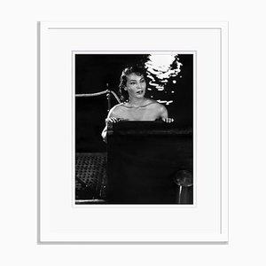 Ava Gardner Archival Pigment Print in Weiß von Alamy Archives gerahmt